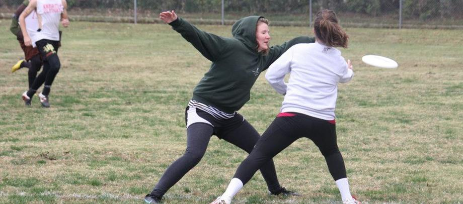 Women's club ultimate frisbee