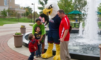 "Archie the Eagle shows off his makeover during Parents and Families Weekend. <a href=""https://www.facebook.com/media/set/?set=a.10152789324347037.1073742017.130091392036&type=3""><span style=""color:#FF0000"">See more pics of visitors getting to know the campus.</a>"