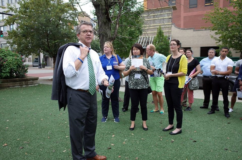 Group tour led by Mayor Winnecke